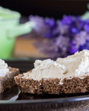 Queso crema vegano a las finas hierbas