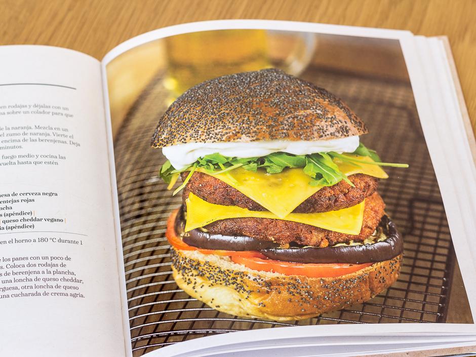 """""""Las más exquisitas hamburguesas veganas"""" de Toni Rodriguez"""
