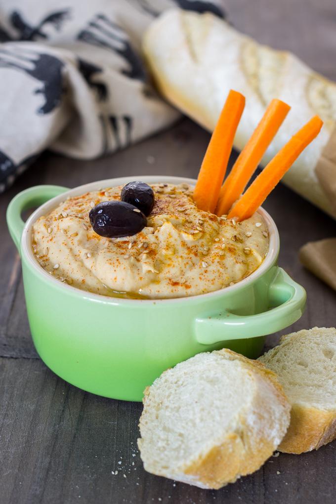 Hummus de alubias y alcachofa