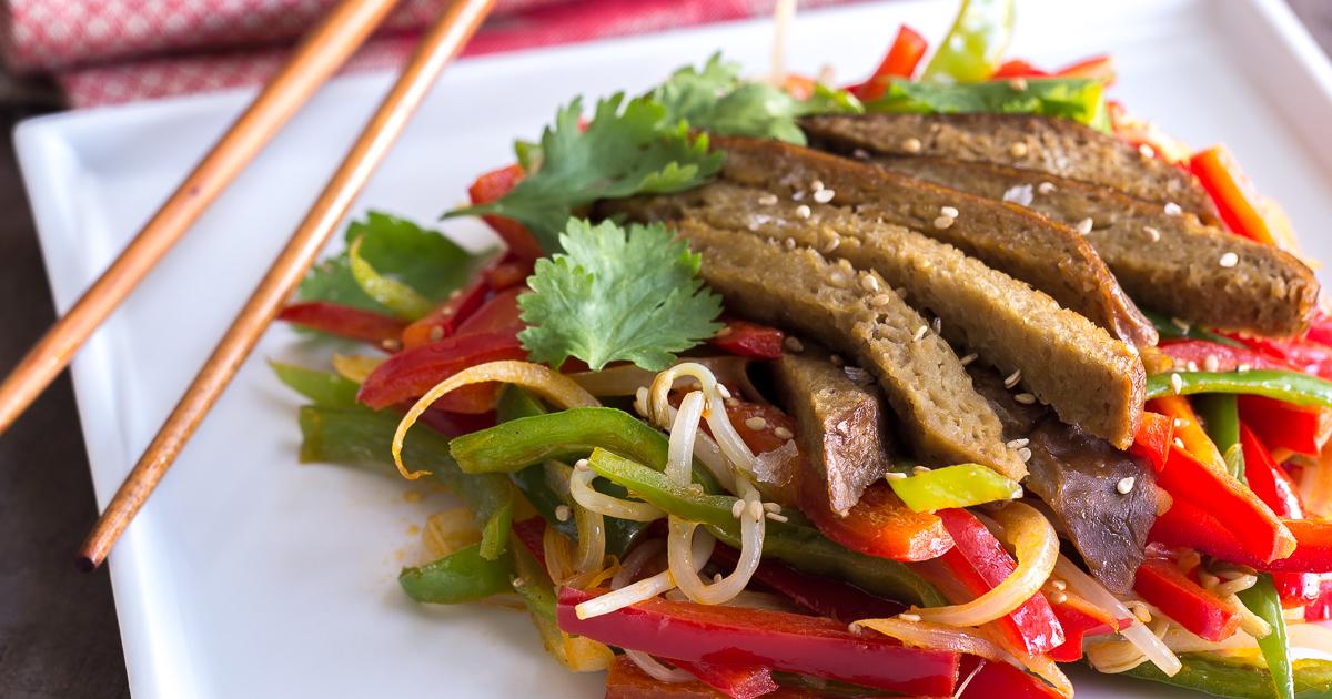 Seit n con verduras al curry delantal de alces for Cocinar seitan