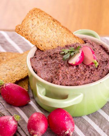 Tapenade de aceitunas kalamata y pistachos