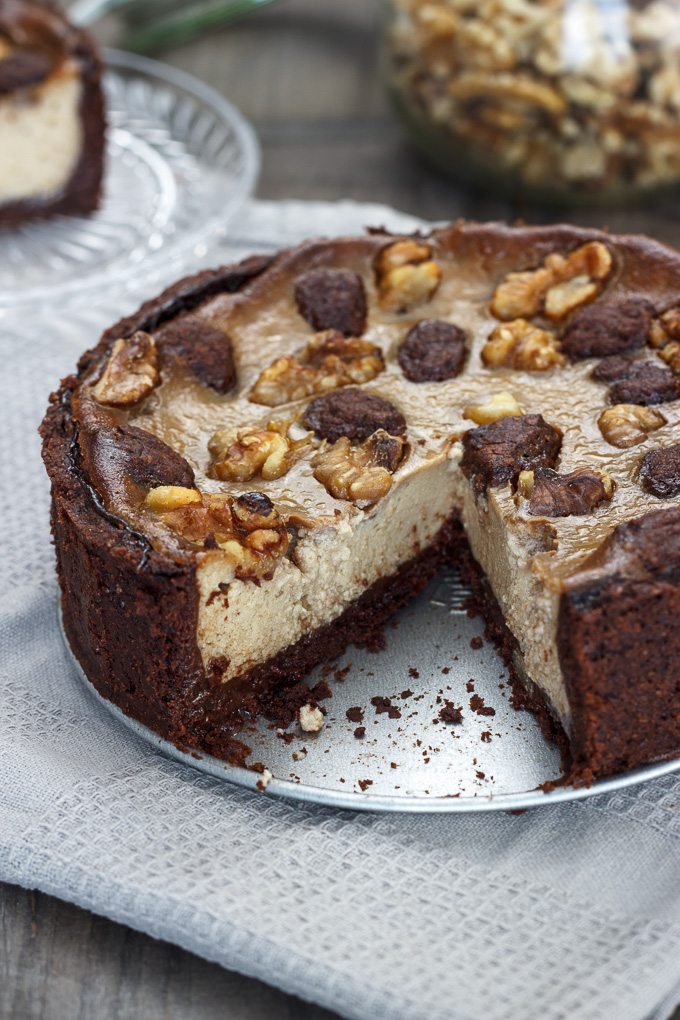 Cheesecake vegana de chocolate y nueces